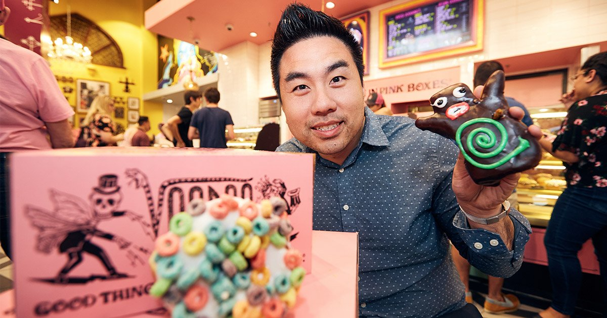 Universal Orlando Close Up | Voodoo Doughnut Comes Alive at Universal CityWalk